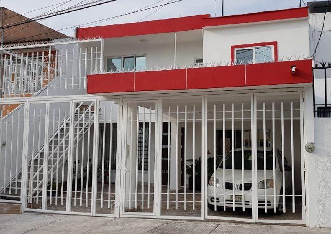 Venta de Casas en Jardines del Country, Guadalajara