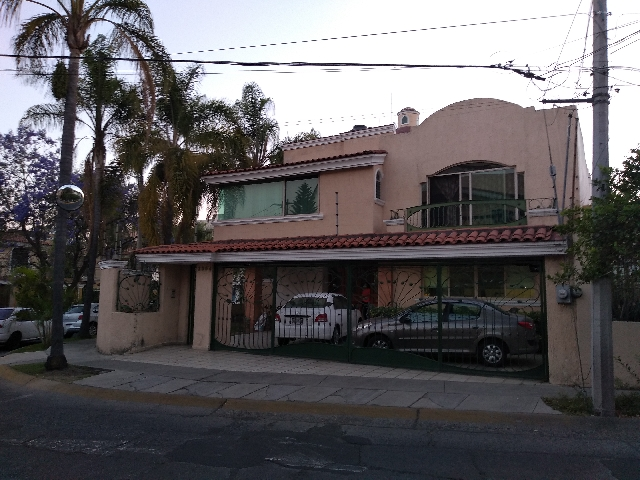 Venta de Casas en Residencial  Victoria, Guadalajara